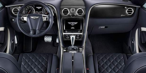 Leather interior of the front console inside the Continental GT Speed Convertible | Bentley Motors