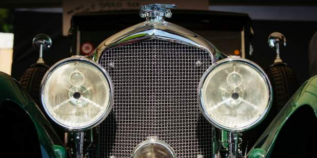 Close up of the Bentley Blue Train headlamps and front grille | Bentley Motors