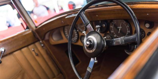 Front cabin of a Bentley heritage Blue Train with wood veneer finish | Bentley Motors