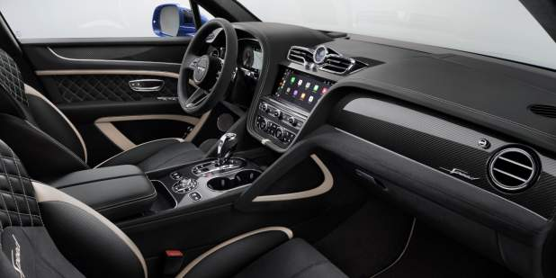 1065_BEN_636-2_21MY_Speed_STU_INT_AcrossFrontCabin_v7a_CarPlay 1398x699.jpg