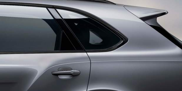 636-2_21MY_V8_STU_Exterior_WindowSurround_v6b_Black 1398x699.jpg