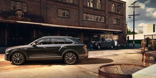 new-bentayga-v8-parked-outside-building-2nd-wip-1398x699.jpg