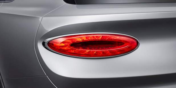 new-bentley-bentayga-exterior-rear-lamp-1398x699.jpg