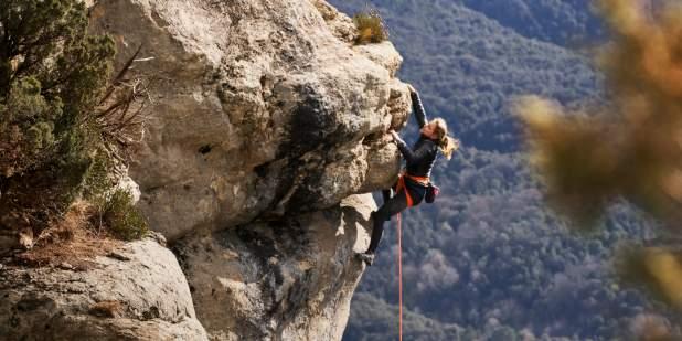 sasha-di-giulian-rock-climbing-1398x699.jpg