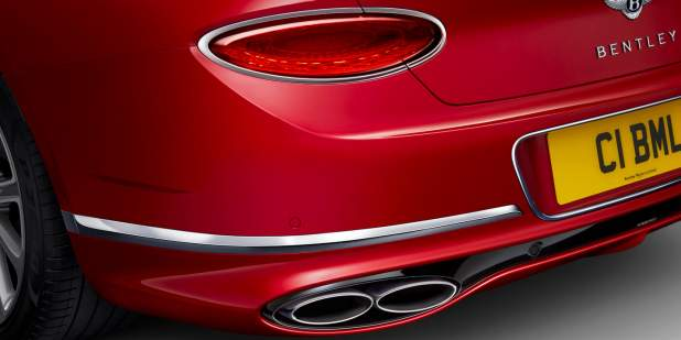 New-Continental-GT-V8-rear-exhaust-lights