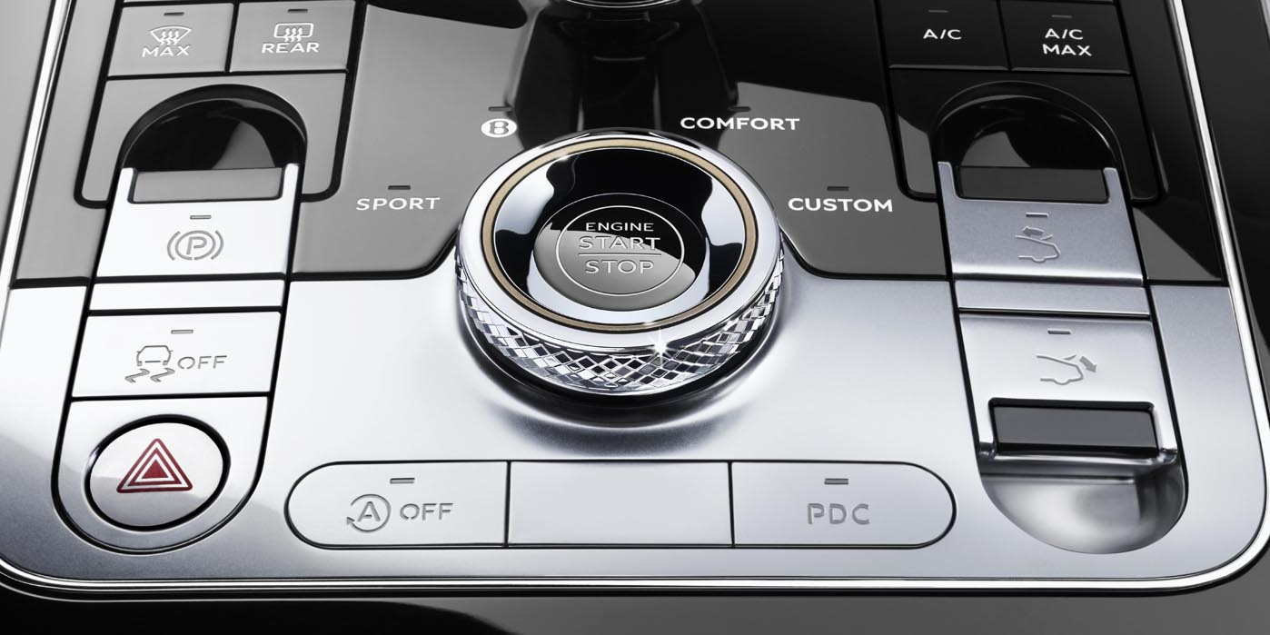 Console detail with new diamond knurling on new Continental GT