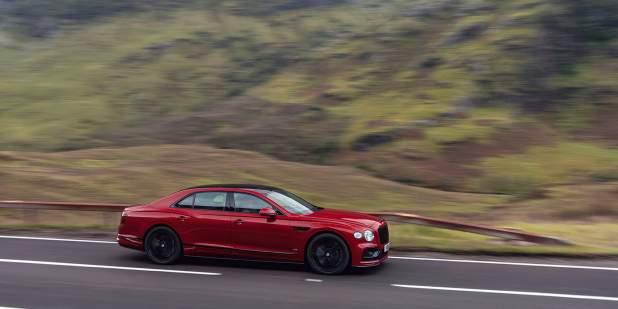 Bentley-Flying-Spur-V8-dynamic-profile-1398x699.jpg
