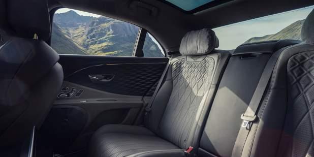 Bentley-Flying-Spur-V8-location-rear-cabin-1398x699.jpg