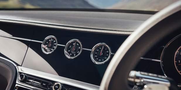 Bentley-Flying-Spur-V8-veneer-1398x699.jpg
