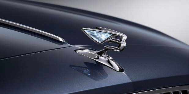 bentley-new-flying-spur-new-flying-b-bonnet