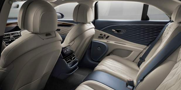 bentley-new-flying-spur-rear-cabin-showing-quilted-doors-and-tsr