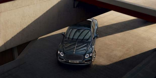 bentley-new-flying-spur-front-overhead-in-meteor-paint-static