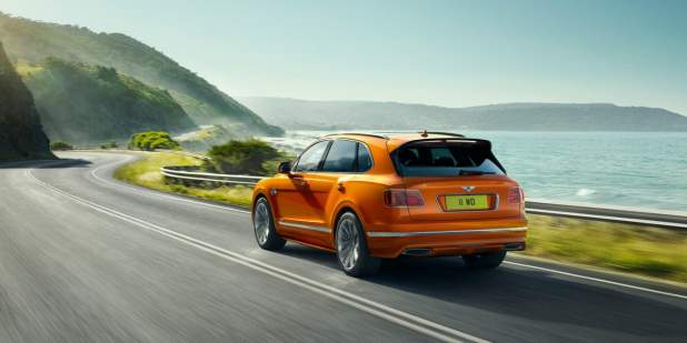 bentayga-speed-driving-dynamically-on-coastal-road