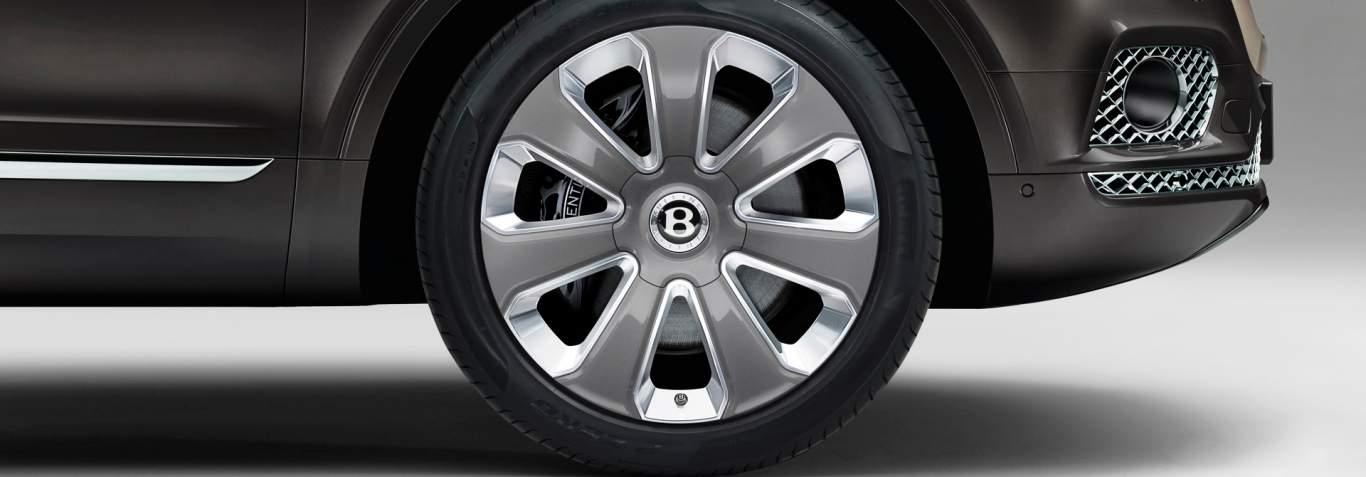 22 Inch Wheels On The Bentley Bentayga Mulliner Luxury Suv Motors