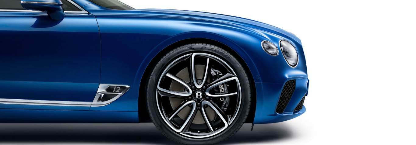 Incroyable New Bentley Continental GT 2017 Side View Showing Wheel With Black U0027Bu0027  Centre Badges