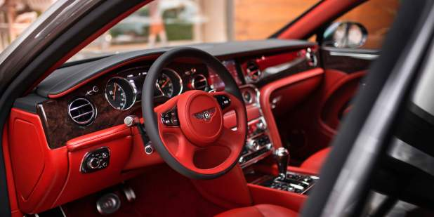 Mulsanne-WO-Edition-by-Mulliner-in-Russia-front-interior-1398x699.jpg