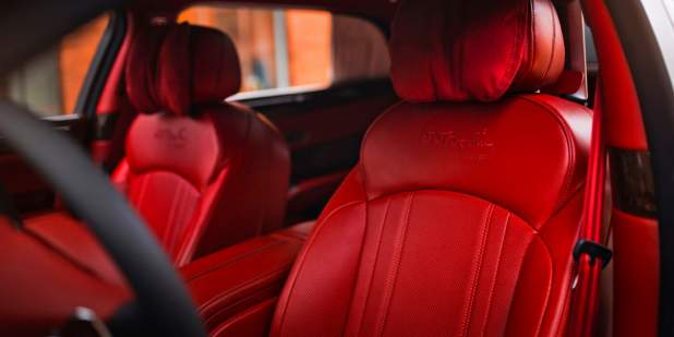 Mulsanne-WO-Edition-by-Mulliner-in-Russia-front-seatt-detail-1398x699.jpg