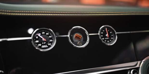 Bentley-Continental-GT-Number-9-Edition-in-Moscow-rotating-display-1398x699-min.jpg