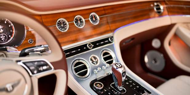 Continental-GT-Convertible-Moscow-veneer-with-dials