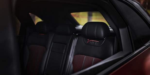 bentley-bentayga-design-series-russia-seat-stitch-1398x699.jpg
